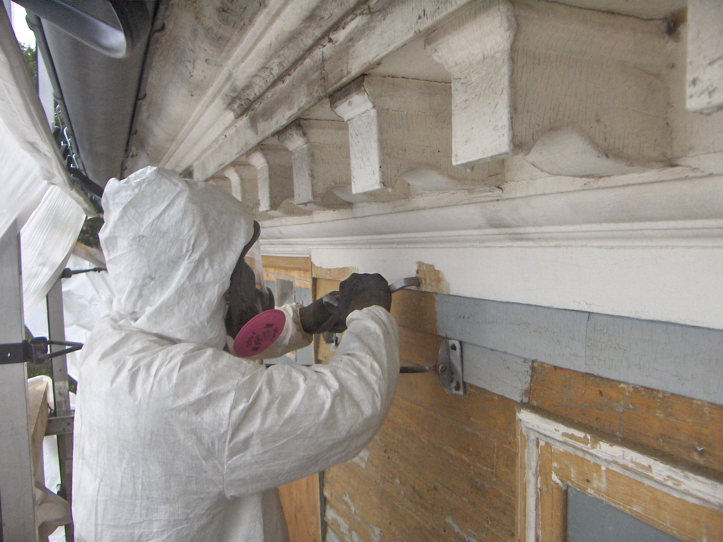 Guest post by david ford the moffatt ladd house paint project preservation timber framing for Removing lead paint from exterior of house